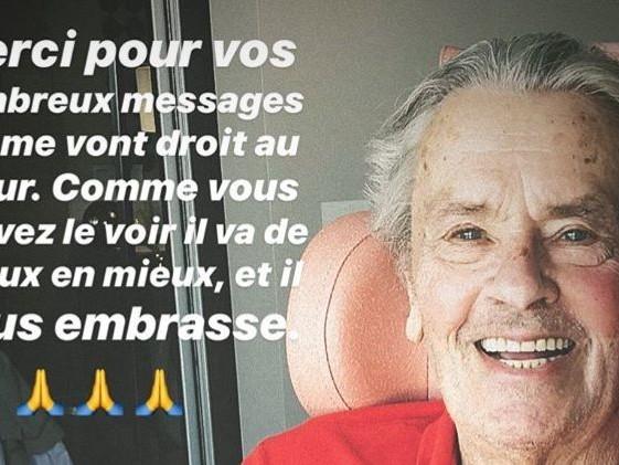 """Alain Delon va """"de mieux en mieux"""" selon son fils qui publie une photo du comédien après son AVC"""