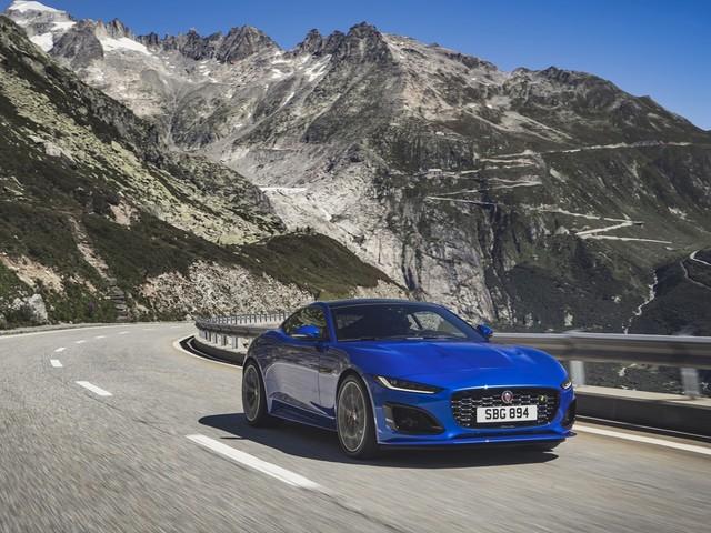 Jaguar dévoile la F-Type restylée : Encore plus belle ?