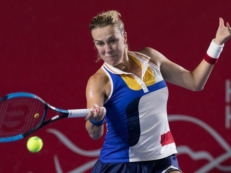 Tennis: Pavlyuchenkova enlève son 11e titre en dépit du typhon frappant Hong Kong