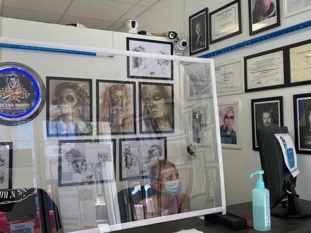 """""""La relance éco"""" : un patron de salons de tatouage à Amiens dresse un premier bilan depuis le déconfinement"""