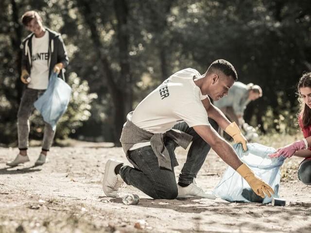 « Ma Cité va Briller » : le nouveau challenge qui incite les jeunes à nettoyer leur quartier