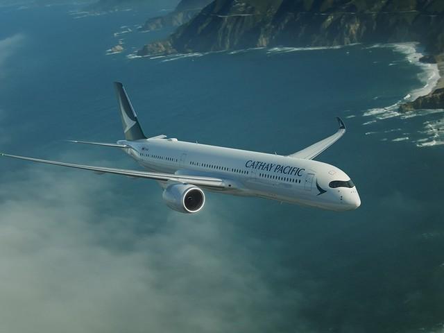 Pour le Black Friday, Cathay Pacific compense gratuitement les émissions carbone de ses passagers