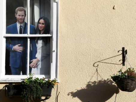 En pleine tempête royale, l'épouse du prince Harry, Meghan, rentre au Canada