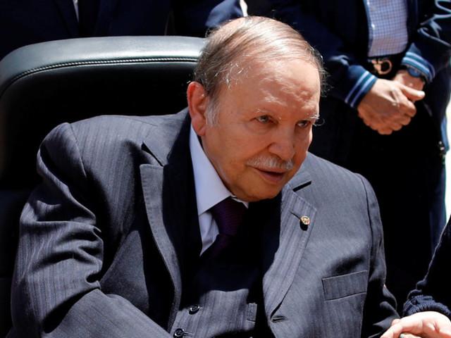 Abdelaziz Bouteflika renonce à briguer un 5e mandat
