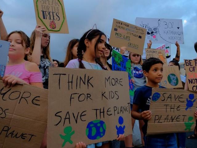 """Une """"menace immédiate"""" pèse sur la santé des enfants alerte l'ONU dans un rapport"""