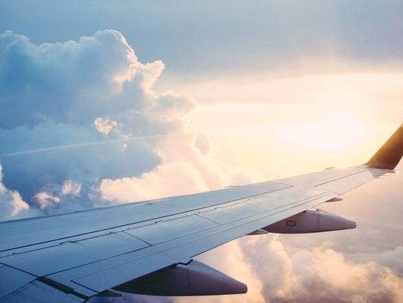 Des agents de bord révèlent comment repérer une situation d'urgence en avion