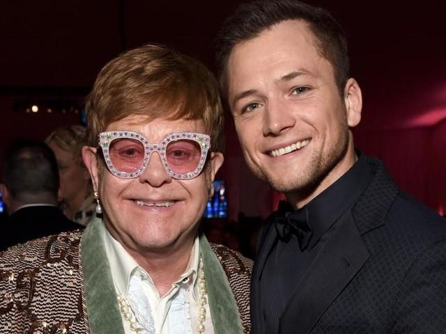 """VIDÉO - Qui est Taron Egerton, l'Elton John de """"Rocketman"""" ?"""