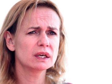 Victime de violences conjugales, Sandrine Bonnaire témoigne de ses blessures
