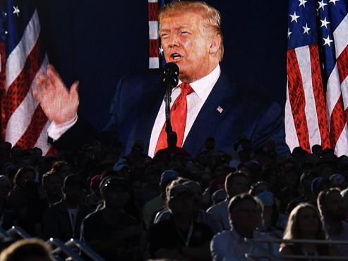 """Pour célébrer la fête nationale, Trump vante une Amérique """"exceptionnelle"""" et s'en prend aux manifestants antiracistes"""