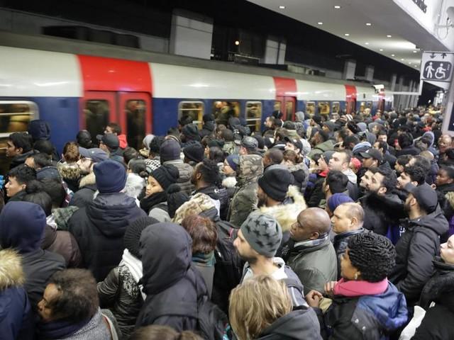 France: 6e journée de grève contre la réforme des retraites, transports perturbés