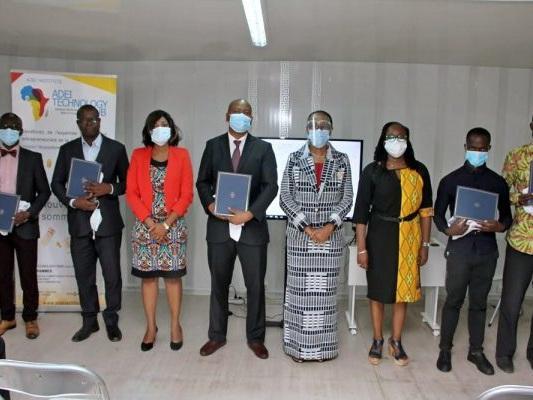 Les compétences numériques de 21 enseignants ivoiriens renforcées