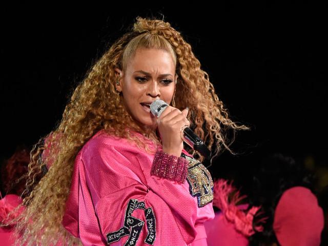 Beyoncé sort un album surprise