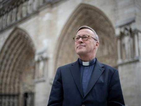 Deux mois après l'incendie, première messe samedi à Notre-Dame pour quelques prêtres