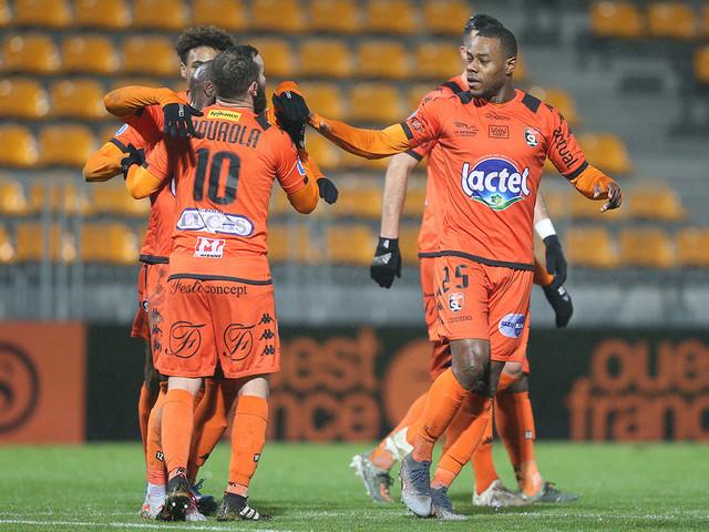 Stade lavallois-Avranches : une grande efficacité pour une belle victoire à Le-Basser (3-0)