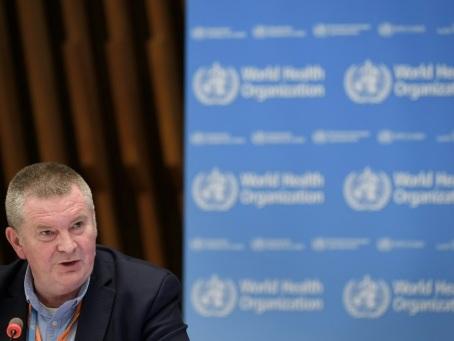 """Coronavirus: l'OMS appelle à """"se réveiller"""" face à l'épidémie, qui flambe aux Amériques"""