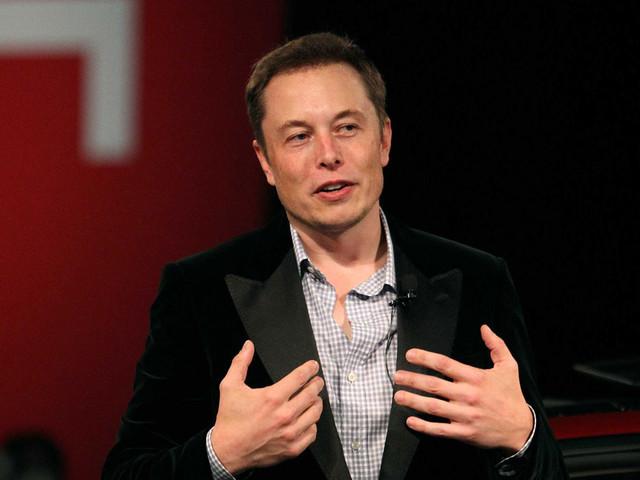 """Espace : Elon Musk prévient que """"des gens vont mourir"""" en allant sur Mars"""