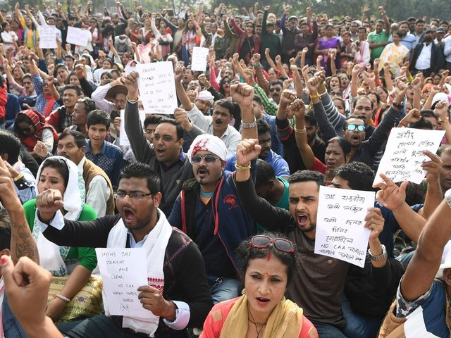 En Inde, une loi discriminante pour les réfugiés musulmans déclenche des manifestations