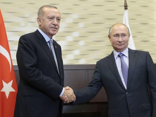 La Russie et la Turquie organiseront des patrouilles communes dans le nord-est de la Syrie