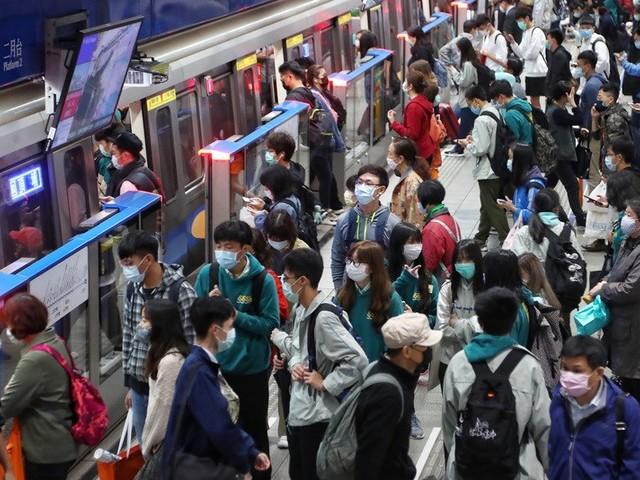 Taiwan prévoit des sanctions pour tout refus de port du masque dans les transports publics