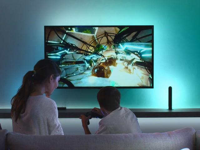 Philips Hue Play Sync : aperçu du boîtier qui illumine vos films et jeux