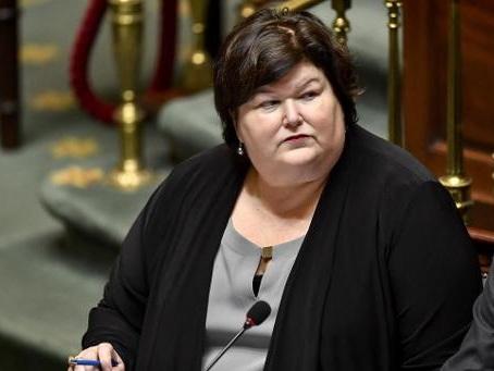 Baromètre Mutualité chrétienne: la ministre De Block plaide pour une solution structurelle