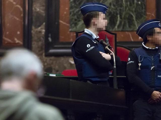 Une collègue du juré récusé lui a dit avoir vu Mehdi Nemmouche le jour de l'attentat et fait état d'une théorie de complot mêlant... Didier Reynders!