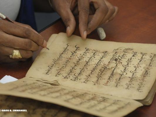 Sauvegarde des manuscrits anciens du Sahel: L'Unesco consulte