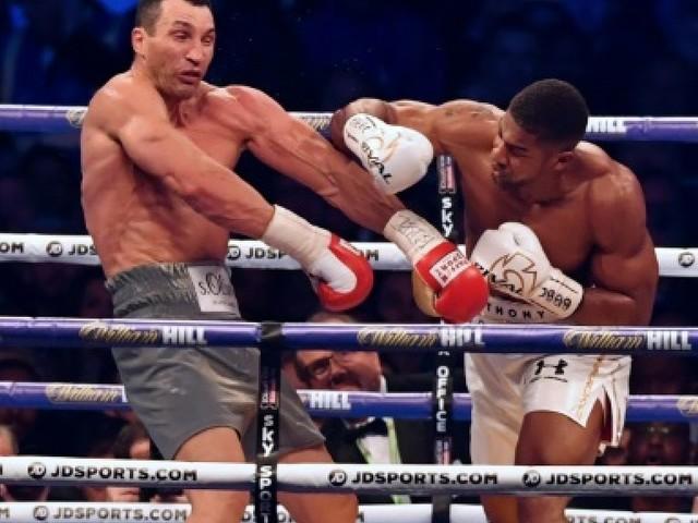 """Boxe: Joshua prêt à affronter ses rivaux """"un par un"""", dont Fury"""