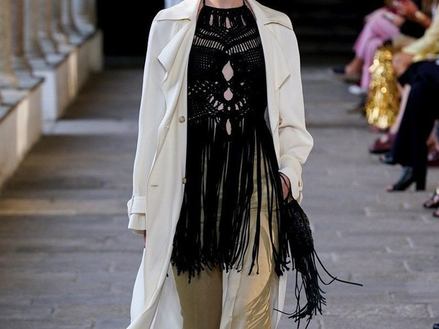 Défilé Alberta Ferretti Prêt à porter printemps-été 2022