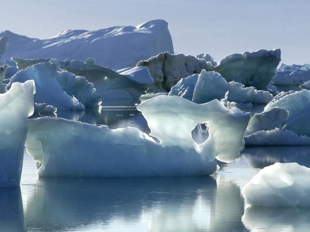 VIDEO. Écologie : les flocons de neige contiennent... du plastique