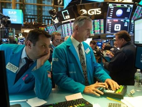 Wall Street rebondit à l'ouverture, aidée par Boeing et Oracle