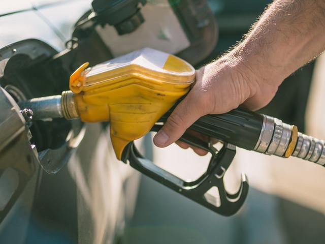 Le Maroc va plafonner les prix des carburants d'ici la mi-mars, selon Lahcen Daoudi
