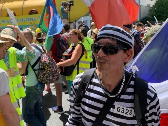 Les Gilets jaunes défilent à Paris pour leur acte 35 – vidéo