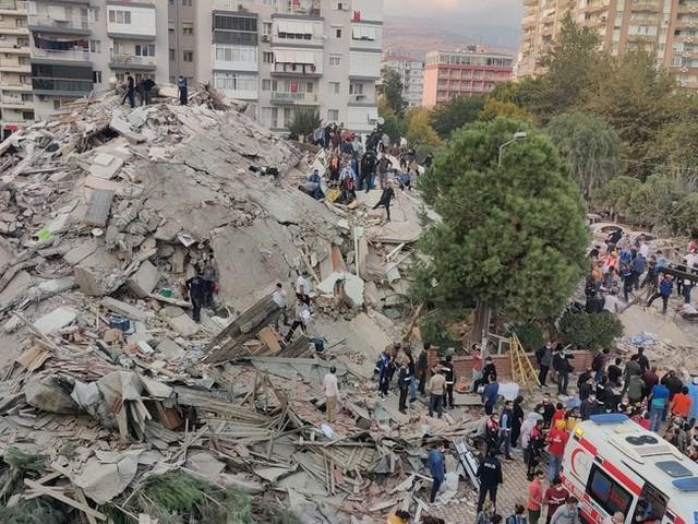 Séisme en Turquie : au moins six morts, plus de 200 blessés et des immeubles effondrés