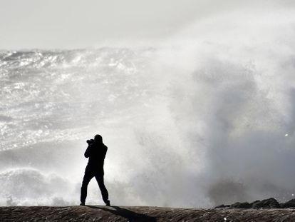 Intempéries : 14 départements du sud-ouest de la France en vigilance orange
