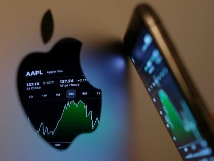Apple fait mieux qu'attendu, tiré par les ventes d'iPhones