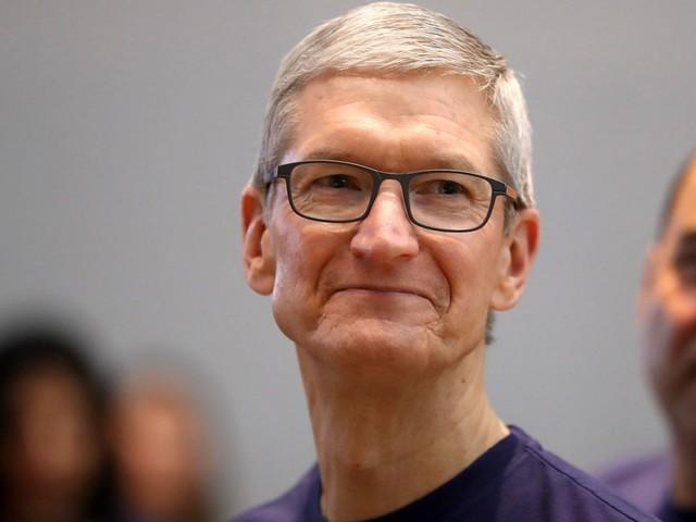 Tim Cook fait un don de près de 5 millions de dollars en actions Apple à une œuvre de charité