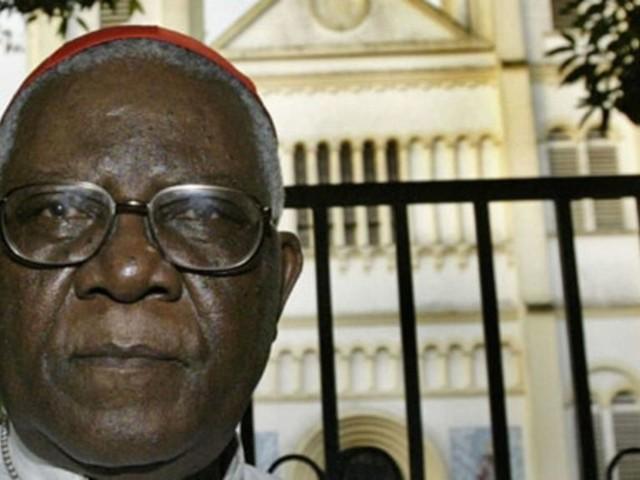 Cameroun: brièvement enlevé, le cardinal Tumi demande à Paul Biya de «déclarer l'amnistie»