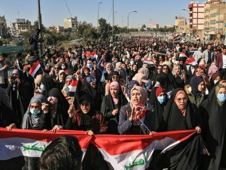 Irak: des milliers d'étudiants défient le pouvoir