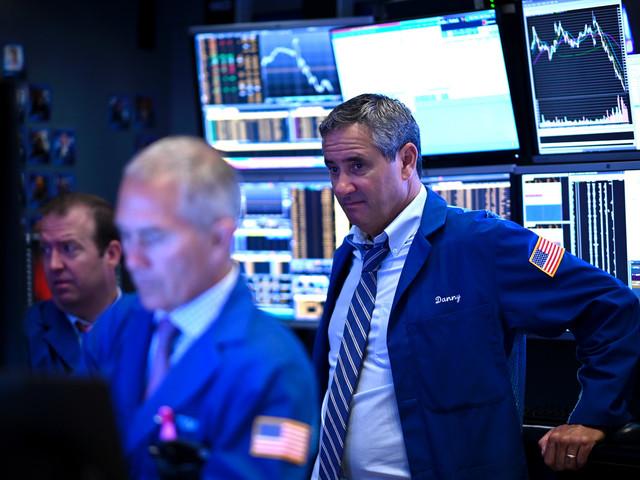 Wall Street ouvre en baisse, anxieuse avant les négociations commerciales