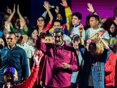 Le Venezuela confronté à un isolement croissant après la réélection de Maduro
