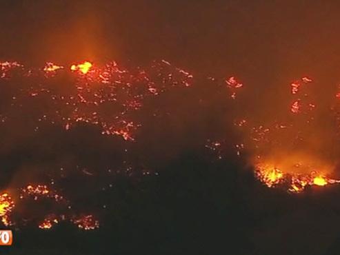 D'énormes incendies ravagent la Californie, 13 morts