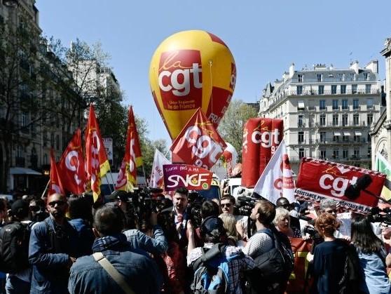 Unsa, CGT, CFE-CGC, CFDT... Quels syndicats mènent la danse à la RATP et à la SNCF?