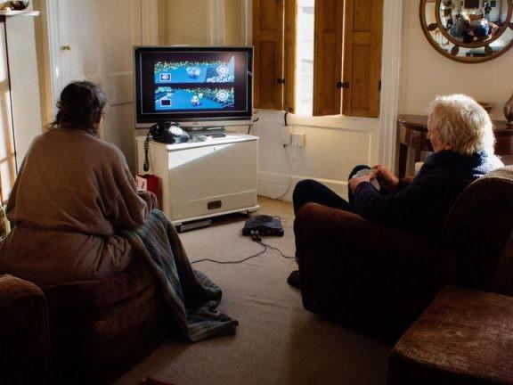 [Zone 42] Chaque jour depuis 18 ans, ce couple décide qui devra faire le thé par une partie de Mario Kart 64