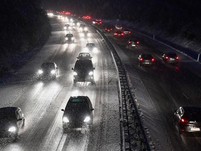 11 départements en alerte orange pour orages, fortes vagues et neige