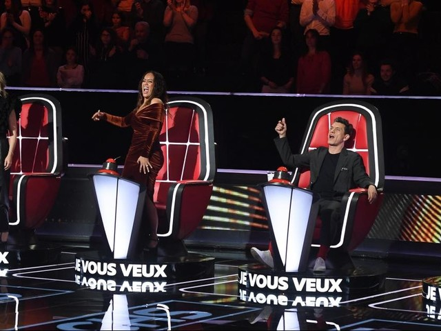 The Voice 9 : Lara Fabian fond en larmes, Amel Bent et Pascal Obispo se disputent, candidats remarquables... Suivez les premières auditions à l'aveugle