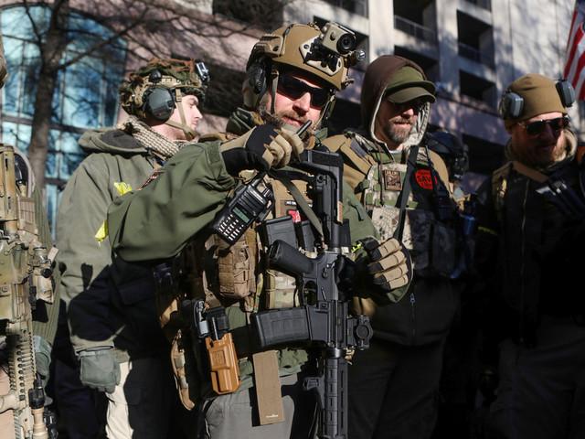 Des milliers d'Américains manifestent pour le droit de détenir des armes