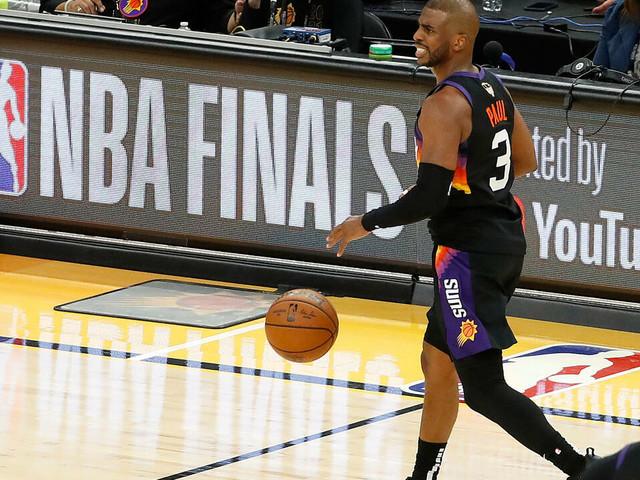 Finale NBA: Phoenix virtuose domine Milwaukee à l'usure