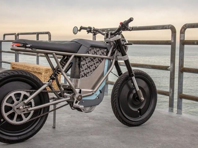 Falcon : cette moto électrique à roues pleines profite d'un mode «nitro» pendant 20 secondes