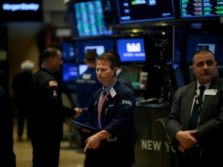 Wall Street, un oeil sur les négociations sino-américaines, prend une pause